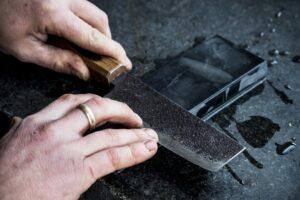 Como afilar cuchillos con piedra de afilar